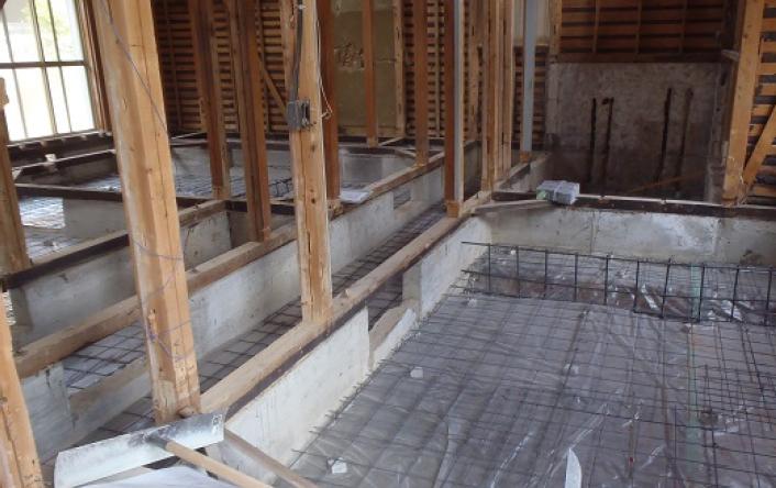④建物内部の土間コンクリートと新規間仕切壁の基礎立上り配筋