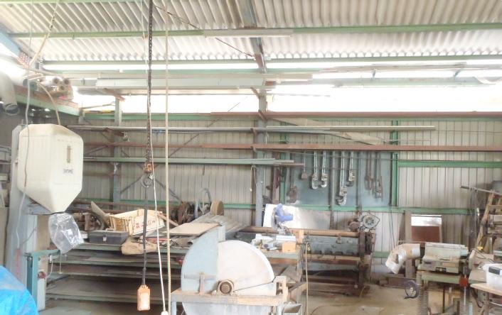 ⑤場所をとる大きな工具も余裕に置ける広い倉庫